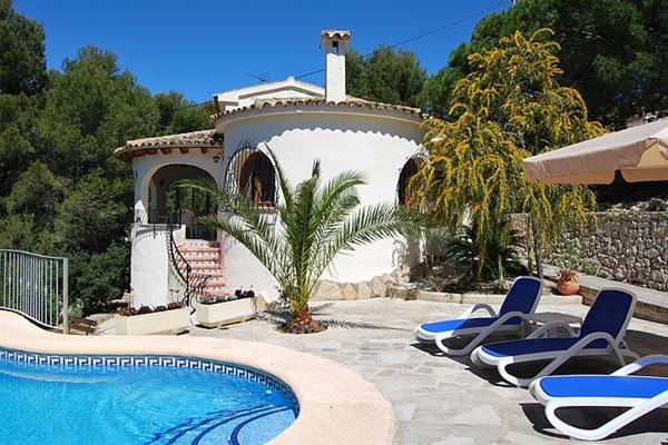 HUUR: Mooie rustig gelegen 4 pers. villa Moraira