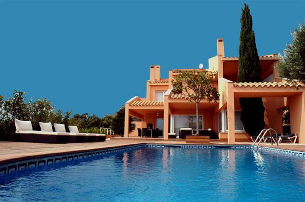 Luxe villa te huur met zwembad vlakbij Rosas Pau