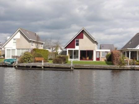 Vrijstaande villa in Terherne Sneekermeer