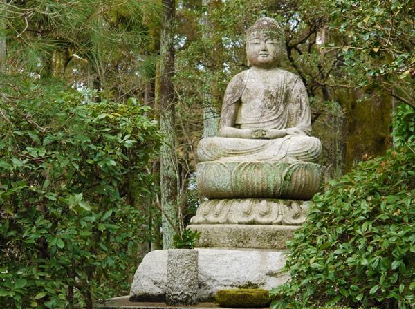 Japanse stenen en granieten Boeddha beelden
